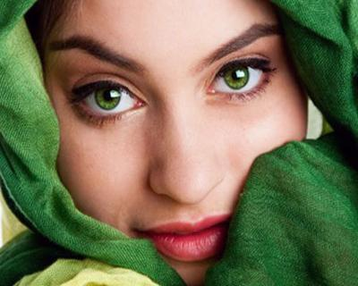 The rarest color of human eyes in the world - it's green